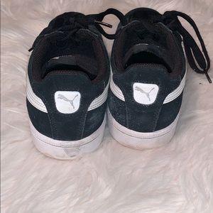 Puma Shoes - Men's Black Puma Shoes. Size 9